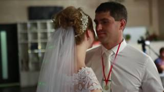 Поёт подруга невесты. Поздравление на свадьбе.