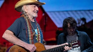 Willie Nelson & Family - Whiskey River (Live at Farm Aid 2019)