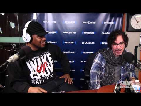 "John Oates of ""Hall & Oates"" Gives Advice, Secret to Success & Why Rap Groups Won't Last"