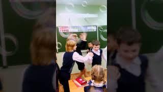 Вот что происходит у нас вместо уроков! День самоуправления!  Дети сорвали урок и вот что произошло!