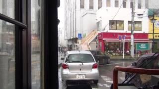 迷惑駅前駐車の自家用車 路線バスにクラクション鳴らされる  雨天 【神奈中バス】 thumbnail