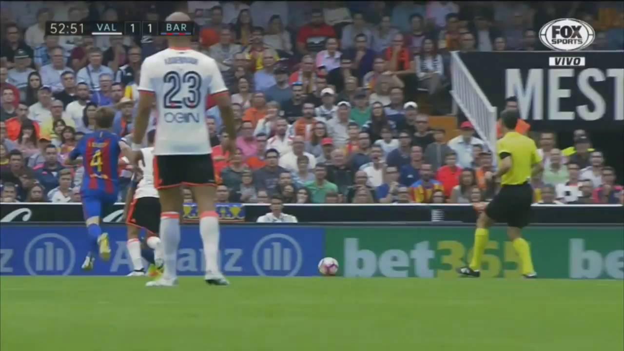 Download Valencia vs Barcelona 2 3 All Goals 22 10 2016 HD