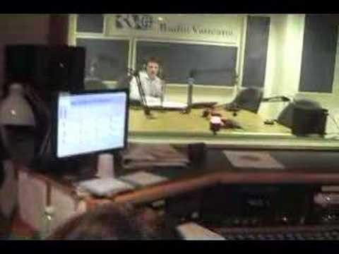 vatican radio  studio  105