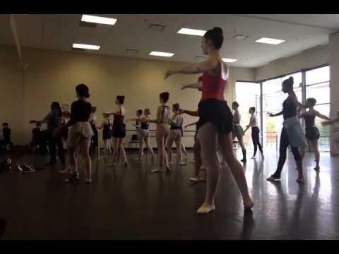 Ballet 3 Jury (Center)