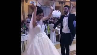 Невесте дарят деньги во время танца / Армянские свадебные традиции / Армянская свадьба в Ереване