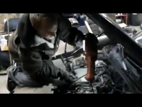 HOW TO EASILY CHANGE BACK THREE SPARK PLUGS GM V6 - YouTube