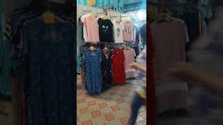 Видео Футболки в розницу от 250 рублей, платья от 400 рублей