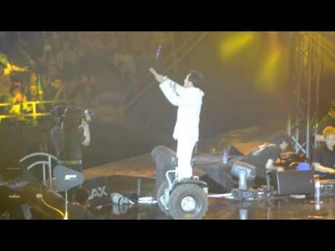 Jackie Chan live concert Beijing 2014 part 2