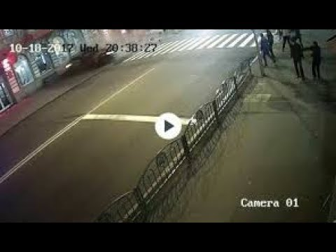 В Сети появилось видео столкновения автомобилей на улице Сумской в Харькове с камер видео наблюдения