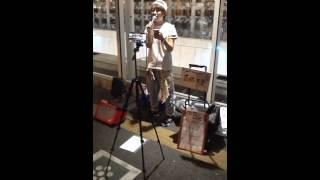 高橋友里さん川崎駅東口での路上ライブの模様、続きです。一部ブレます...