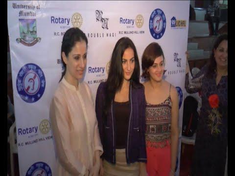 Daisy Shah, Aditya Thackeray, Krishika Lulla, Elli Avram  At World Deaf Day Art Camp 2016