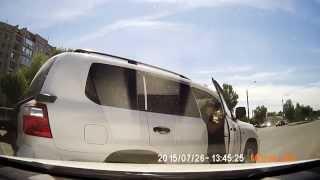 Быдло подрезает на Land Cruiser  012 AUA 07