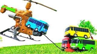 Tayo der Bus findet einen Hubschrauber. Spielzeug Video für Kinder.