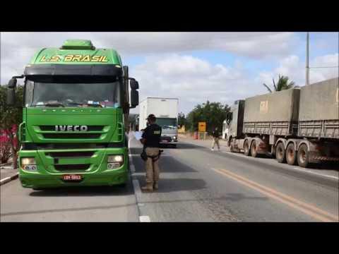 PRF realiza operação para fiscalizar transporte de cargas na Bahia