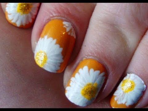 Spring Daisies Nail Art