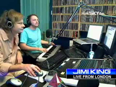 YouTube - Oli Silk plays live on Sky.fm Smooth Jazz.flv