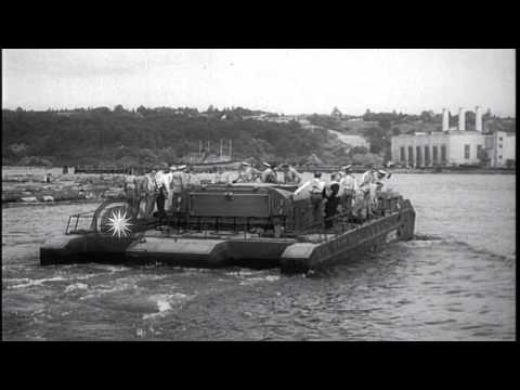 US Navy personnel test their new amphibious vehicle, LVTUX2 in Seattle, Washingto...HD Stock Footage