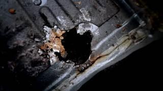 [Устраняем дырки в днище]Life-блог#5(В этом видео мы покажем альтернативный способ по заделыванию дырок в днище автомобиля. =Мы В КОНТАКТЕ http://vk.c..., 2016-05-18T08:27:48.000Z)