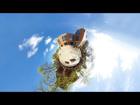 360º Queen's University - McClay Library