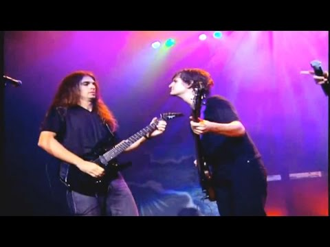 Download Youtube: Angra - Kiko Loureiro (Guitar) vs Felipe Andreoli (Bass)