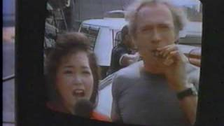 Clint Eastwood in The Rookie: TV news interview scene