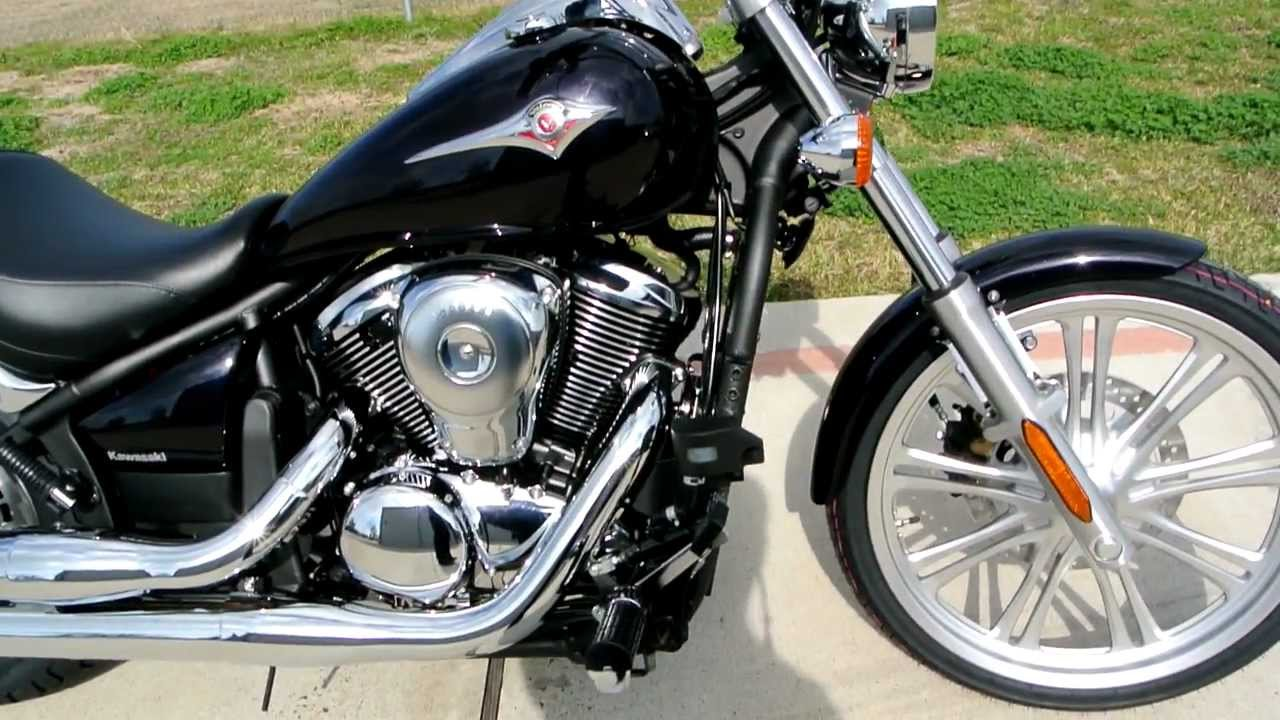 Overview and Review: 2012 Kawasaki Vulcan 900 Custom in Pearl ...