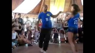 Потрясающе! Очень крутой танец Бачата