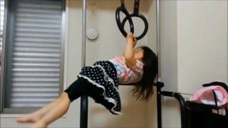 産まれた時からこれで遊ぶ姉の姿を見て育ち、1歳半頃から踏み台を自分...