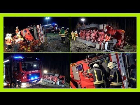 + [UNFALL MIT KRANWAGEN DER FEUERWEHR REUTLINGEN] + Feuerwehrleute glücklicherweise leicht verletzt