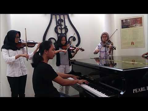 Oom Widar - WANITA (Ismail Marzuki)