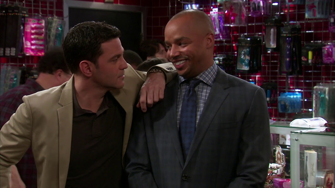 Download The Exes S03 E01