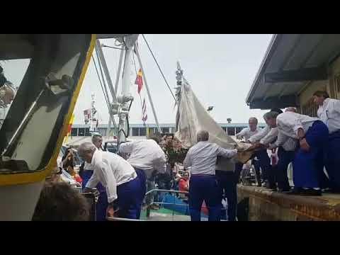 La Virgen sale de procesión marítima en Burela