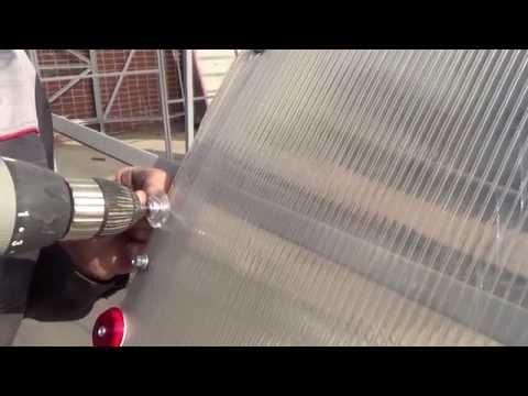 видео: Монтаж и крепеж поликарбоната на теплицу
