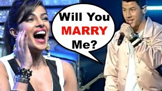 Priyanka Chopra PROPOSED By Nick Jonas At Singapore Concert | Check Her REACTION