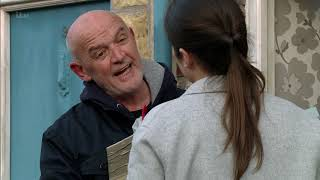 Coronation Street - Nicola Moves Back in With Phelan