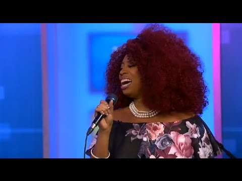 "Sa'Rayah Live Performance ""Drowning in My Own Tears"""