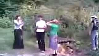 чеченки крадут бедного пацана