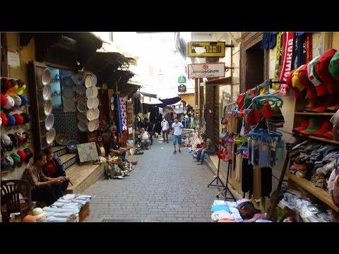 L'artisanat dans la médina et la Medersa Bou-Inania