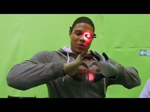 Cyborg Suit 'Justice League' Behind The Scenes [+Subtitles]