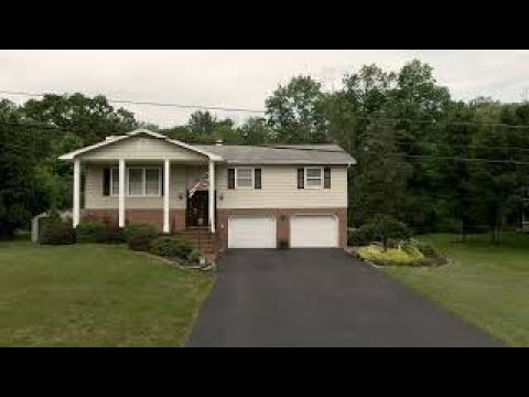 Dutchess County, New York Home For Sale 6 Millbank Road Poughkeepsie, NY 12603.