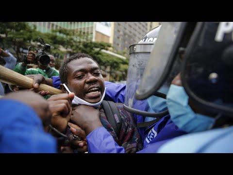 شاهد: اشتباكات بمظاهرات تستنكر عنف الشرطة في كينيا  - نشر قبل 3 ساعة