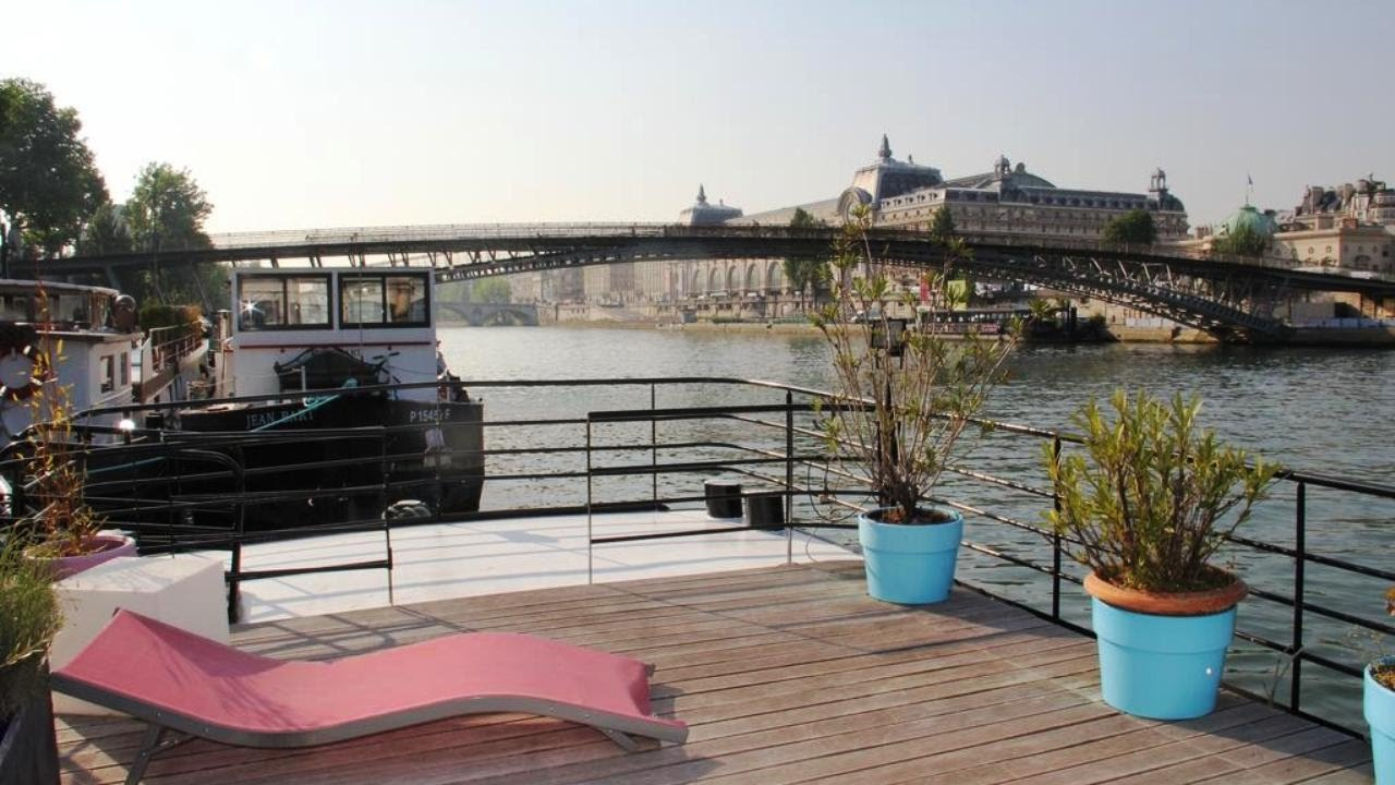 Airbnb Peniche Paris Top6 Botels Boat Hotels In Paris Ile De France France