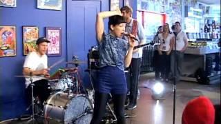 Little Dragon - My Step (Live at Amoeba)