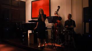 "Kristen Rossi sings LIVE at Sofitel ""the Legend"" Metropole"