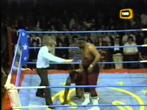 "Honeyboy Zimba vs. ""Mississippi Mauler"" Big Jim Harris - World of Sport"