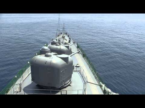 発砲 大迫力 2砲塔同時 護衛艦 しらね DDH-143