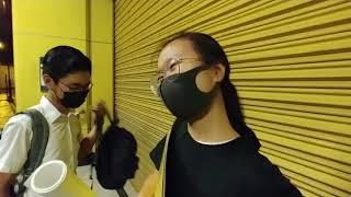 Publication Date: 2019-09-02 | Video Title: 2019-9-2 聖公會林護紀念中學學生 着住校服去港鐵噴油
