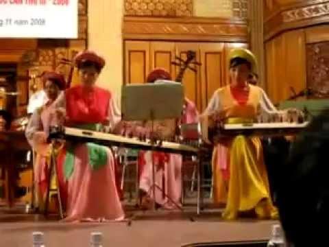 Hòa tấu nhạc cụ dân tộc nhạc Chèo