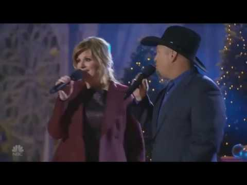 Garth Brooks & Trisha Yearwood - Baby it's cold outside Mp3