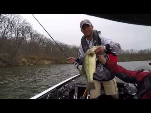 Dailus and trevor clinton lake 2015 spring bassmaster for Clinton lake il fishing report